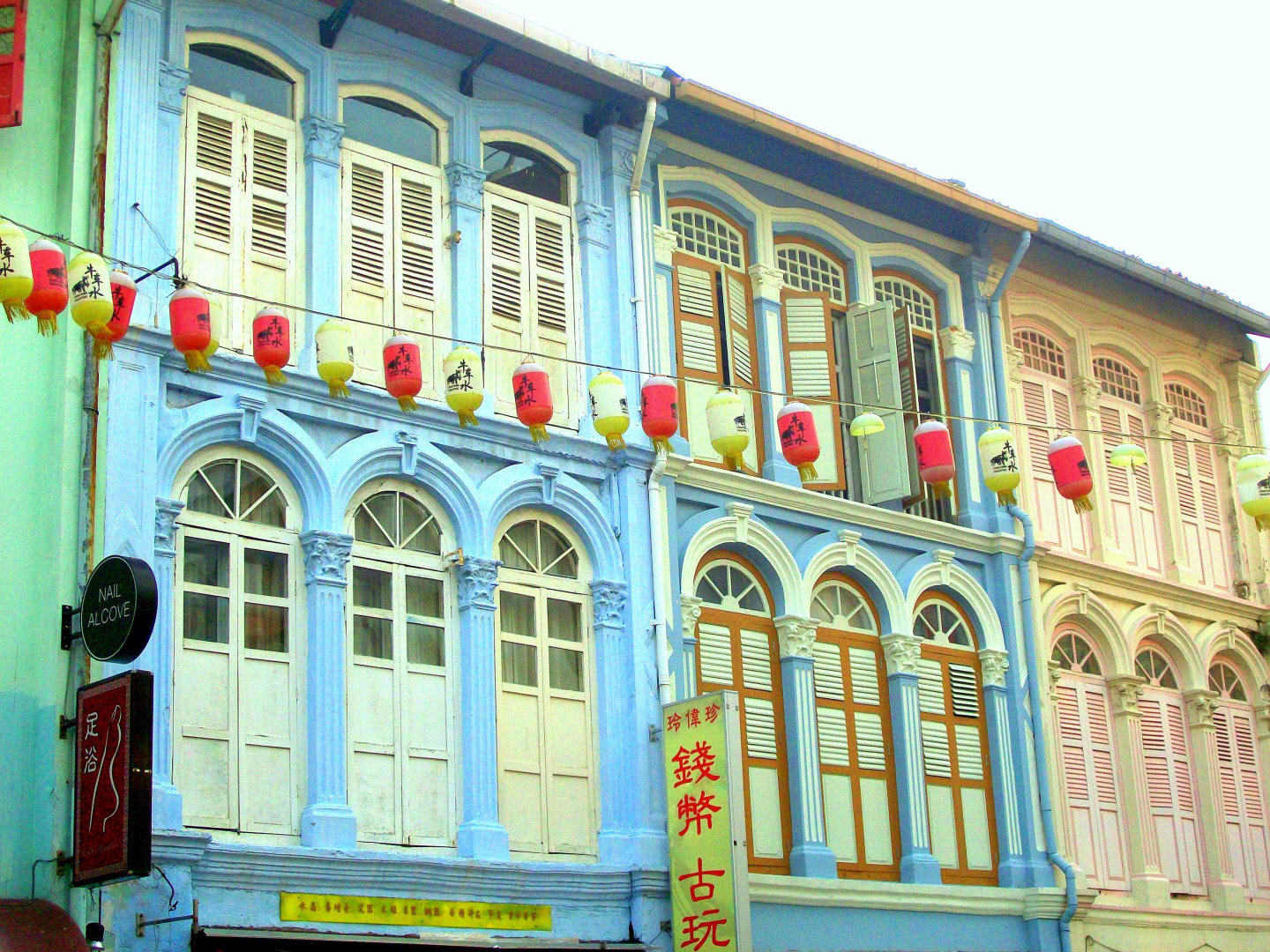 Singapore uses Paint to Lift the Spirits of the People & Bring Joy Without a Lot of Cost
