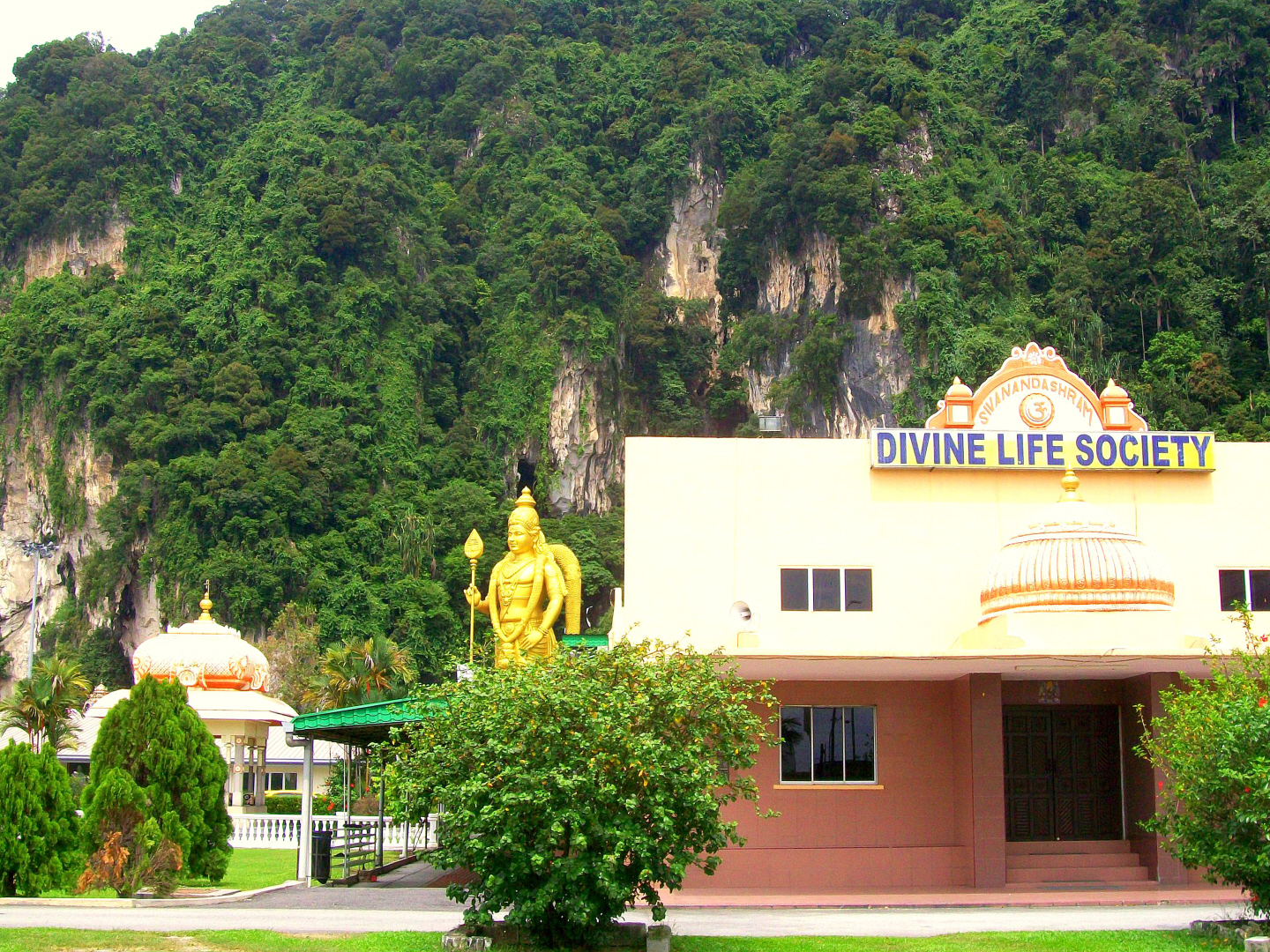 Swami Sivananda of the Divine Life Ashram - served as a Doctor in Malaysia,  as a Swami Advcated  Interfaith Programs